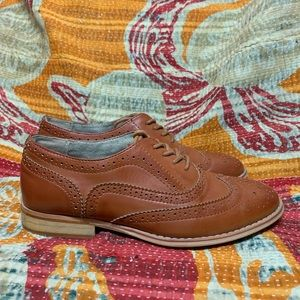 Wanted Wingtip Oxford Lace Up Shoes size 7